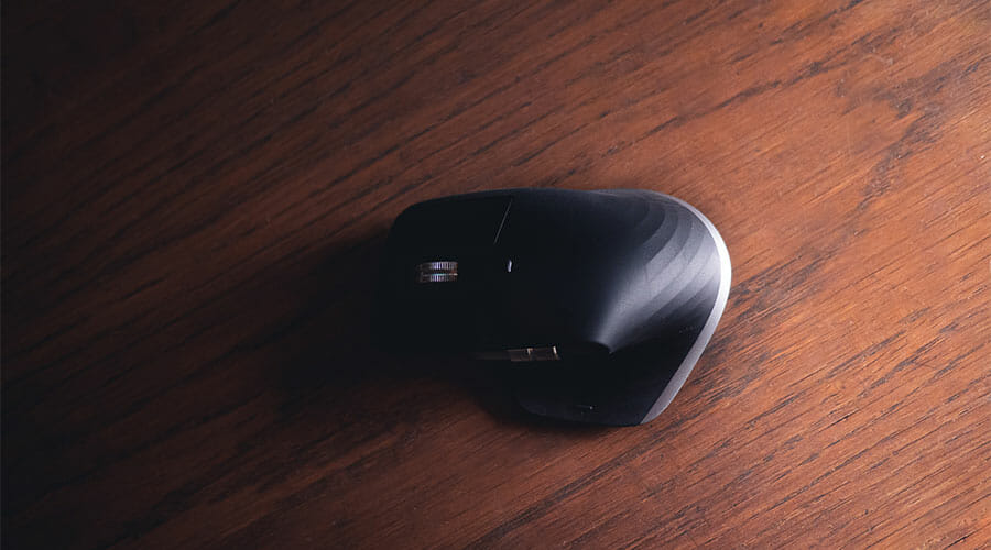 A picture of a wireless mouse. Important when choosing between wired vs wireless when looking for a palm grip mouse.