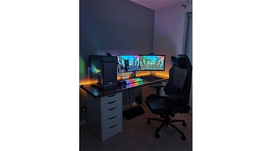 An example of a IKEA desk setup.